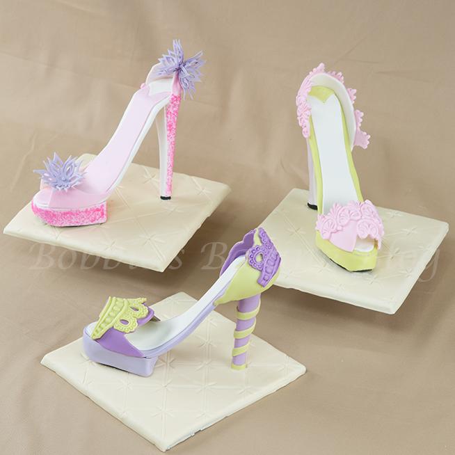 Fondant high heel shoe shop5thavenuecakes fondant high heel shoe pronofoot35fo Image collections