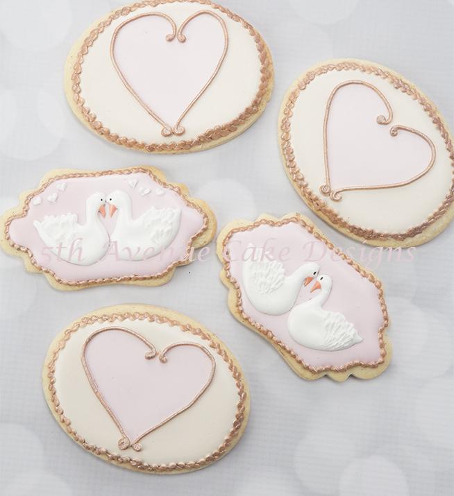 ValentineSwansand Hearts70